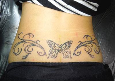 アゲハ蝶とオーナメントのタトゥー