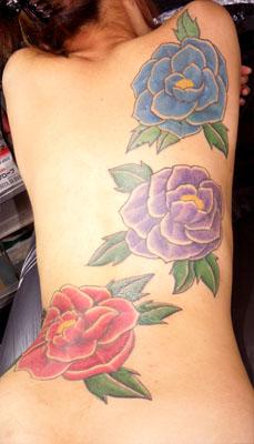 三色椿の刺青
